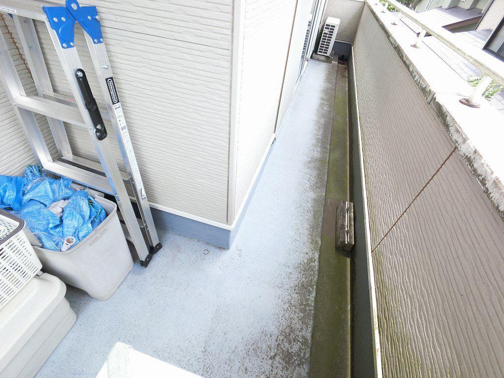 調査 バルコニー 防水
