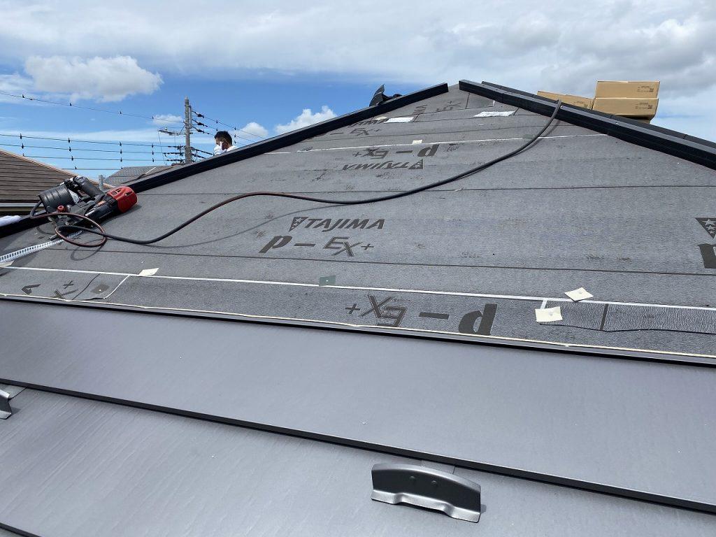 屋根葺替工事 横断ルーフαS ガルバニウム鋼板