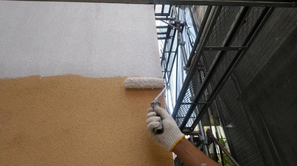 外壁塗装 モルタル 3回塗り 下塗り アレスダイナミックフィラー