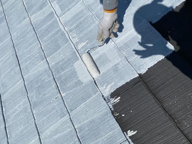 屋根塗装 新生スレート瓦 3回塗り 下塗り サーモアイシーラー