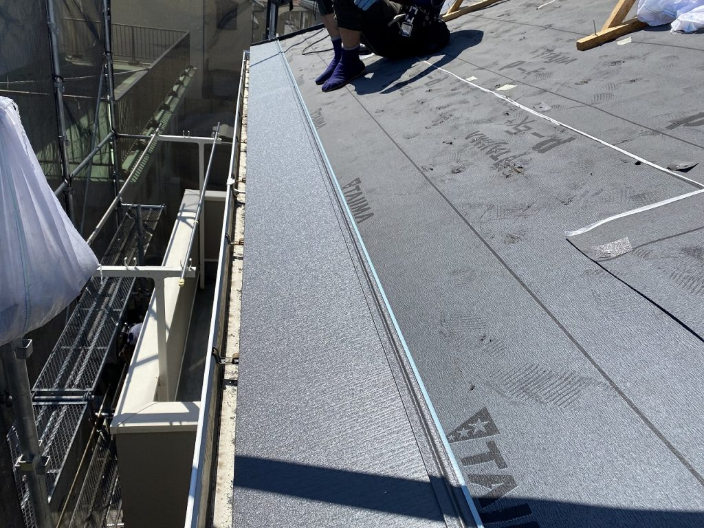 屋根重葺 横断ルーフ スーパーガルテクト