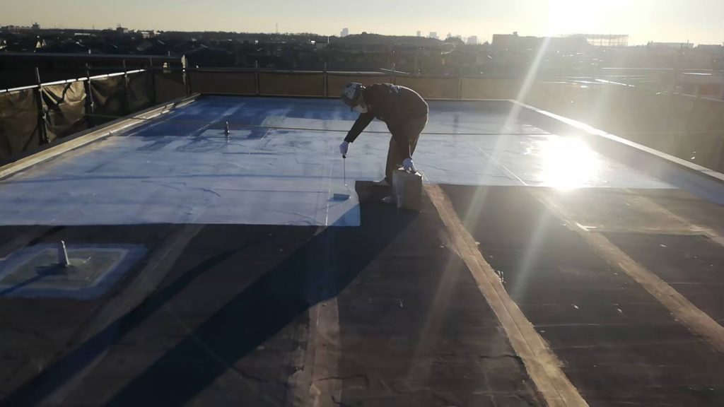 屋上防水 折板屋根 下塗り 水性プライマー