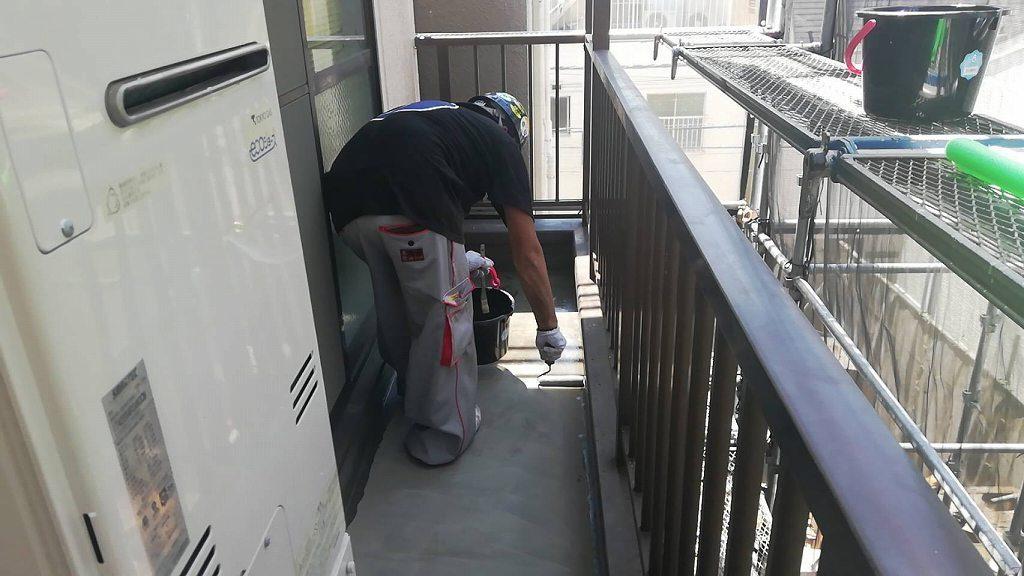 バルコニー 防水 下地調整 4回塗り 改修用プライマー