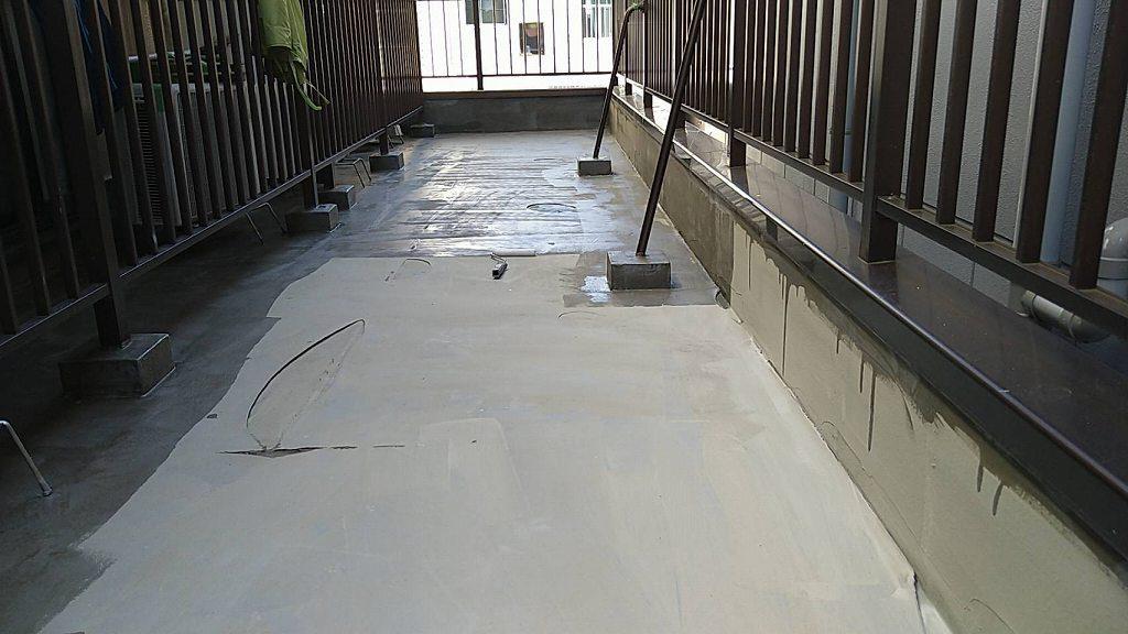屋上 防水 下地調整 4回塗り 改修用プライマー