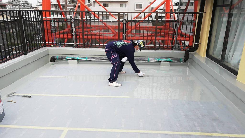 屋上 防水 中塗り 3回塗り ウレタン樹脂
