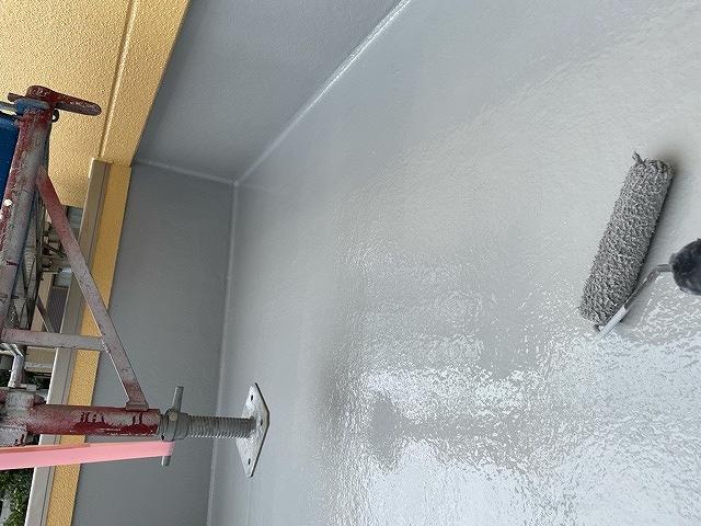 バルコニー防水 2回塗り 上塗り トップコート