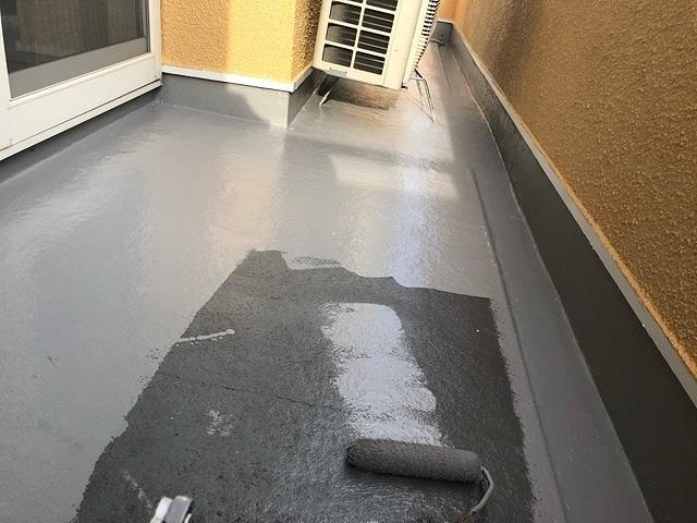 バルコニー 防水 2回塗り 上塗り トップコート