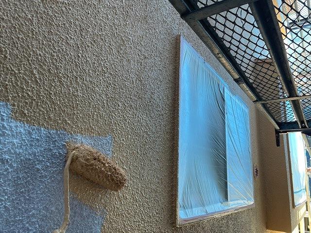 外壁塗装 モルタル 3回塗り 中塗り セミフロンバインダー