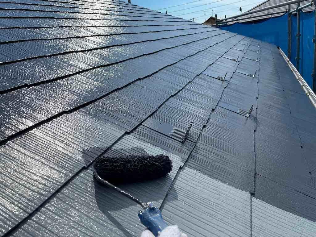屋根塗装 新生スレート瓦 4回塗り 中塗り ファインパーフェクトベスト