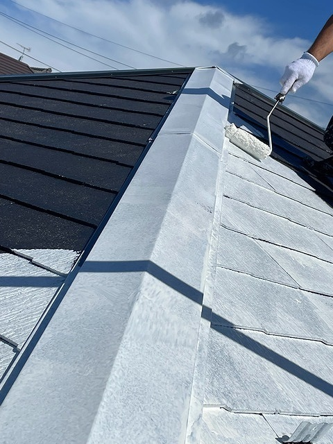 屋根塗装 新生スレート瓦 4回塗り 下塗り ベストシーラー