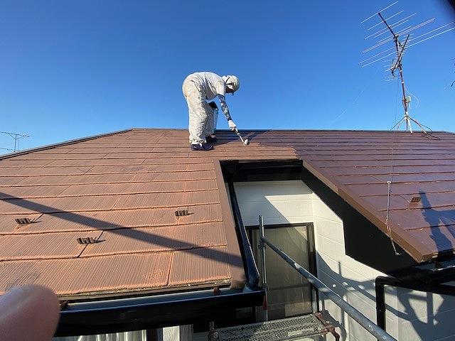 屋根塗装 新生スレート 4回塗り 下塗り ベストシーラー