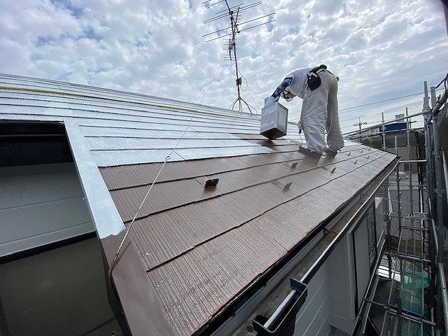 屋根塗装 新生スレート 4回塗り 下塗り サーモアイシーラー